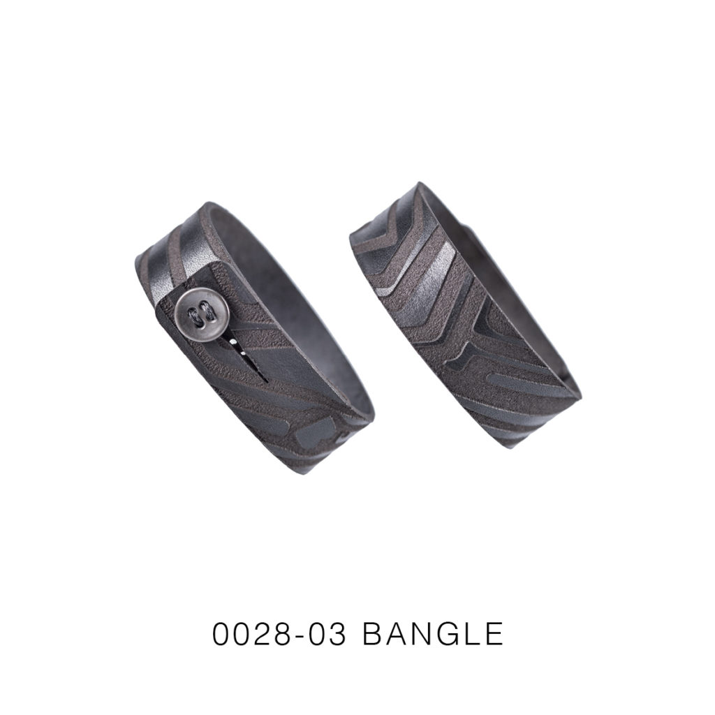 0028-03 Bangle Taglio e grafica laser / Laser cut and graphic Nero / Black 100% PELLE CONCIA AL VEGETALE / VEGETABLE TANNING LEATHER