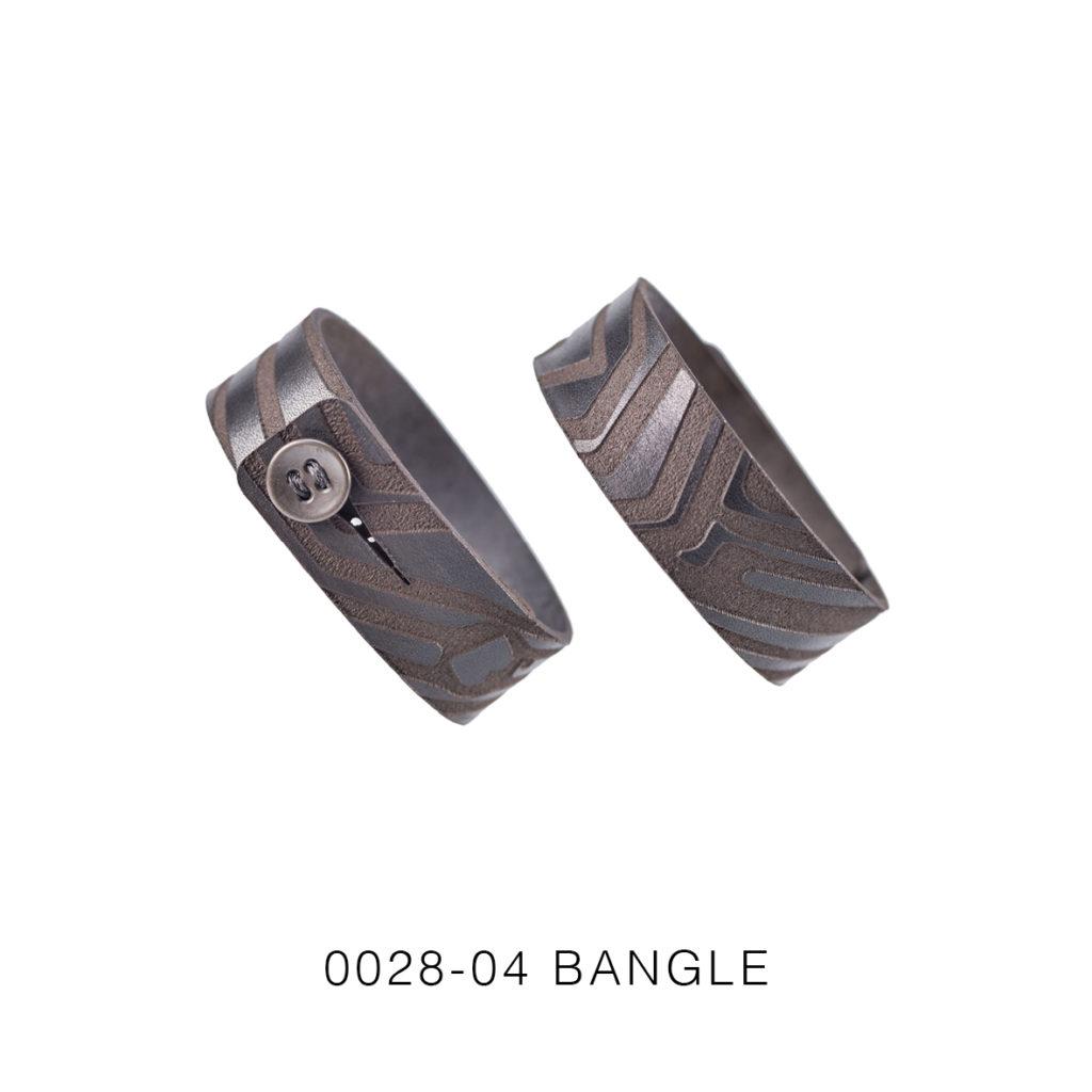 0028-04 Bangle Taglio e grafica laser / Laser cut and graphic Testa di moro / Brown 100% PELLE CONCIA AL VEGETALE / VEGETABLE TANNING LEATHER