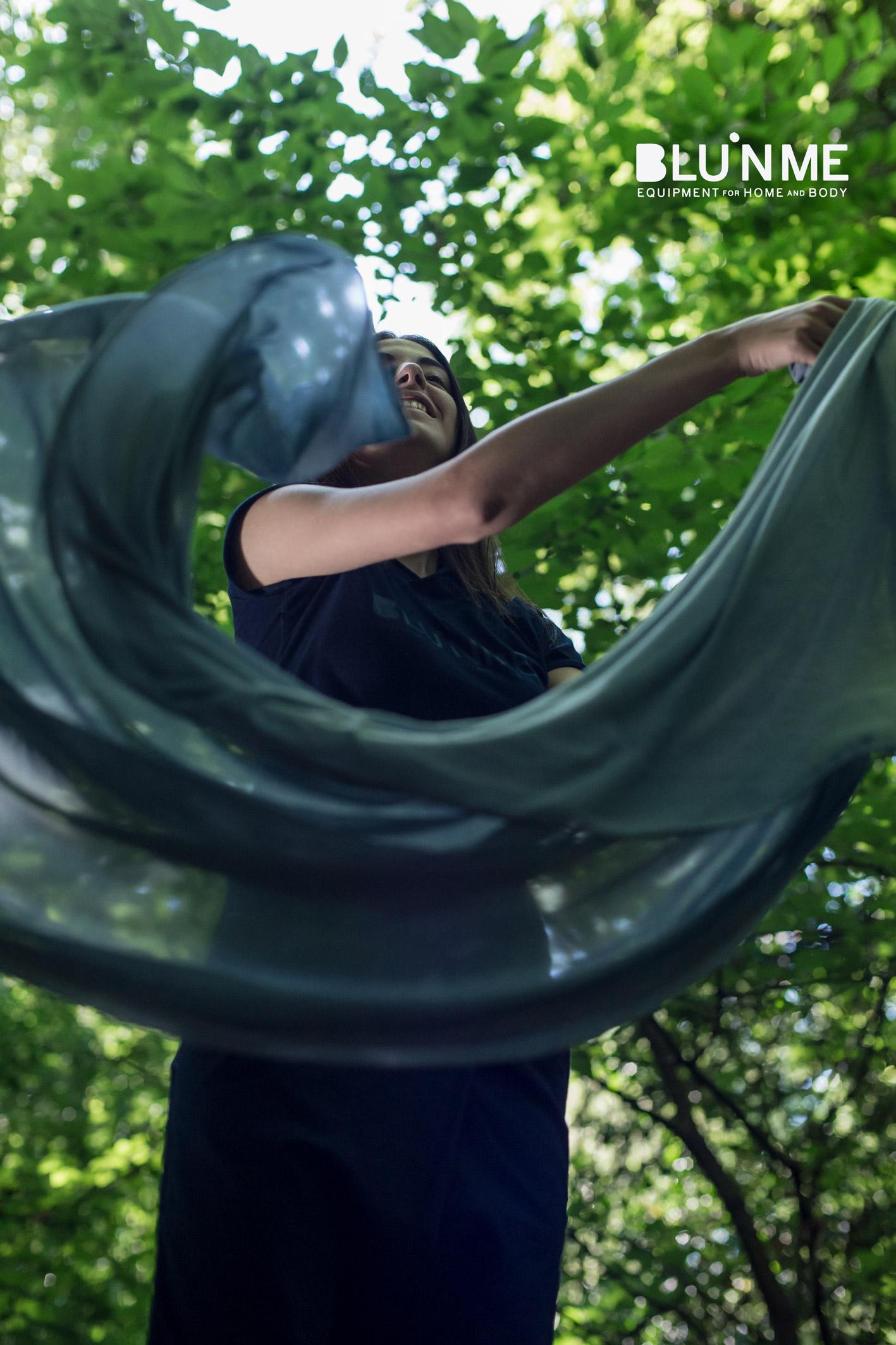 Sciarpa ultra leggera in seta-cotone tinta indaco
