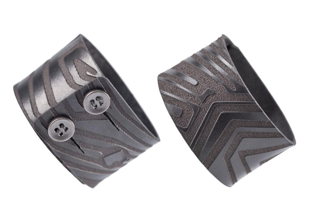 0028-01 Bangle Taglio e grafica laser / Laser cut and graphic