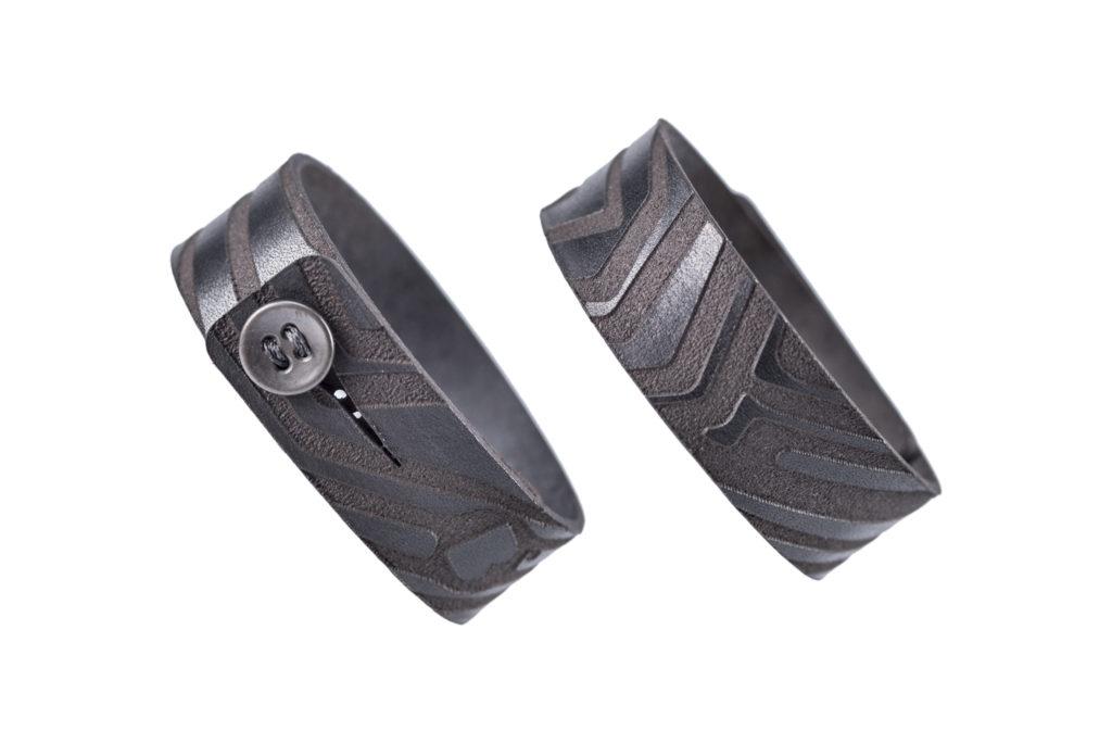0028-03 Bangle Taglio e grafica laser / Laser cut and graphic